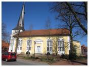 Kirche mit gedrehtem Turm